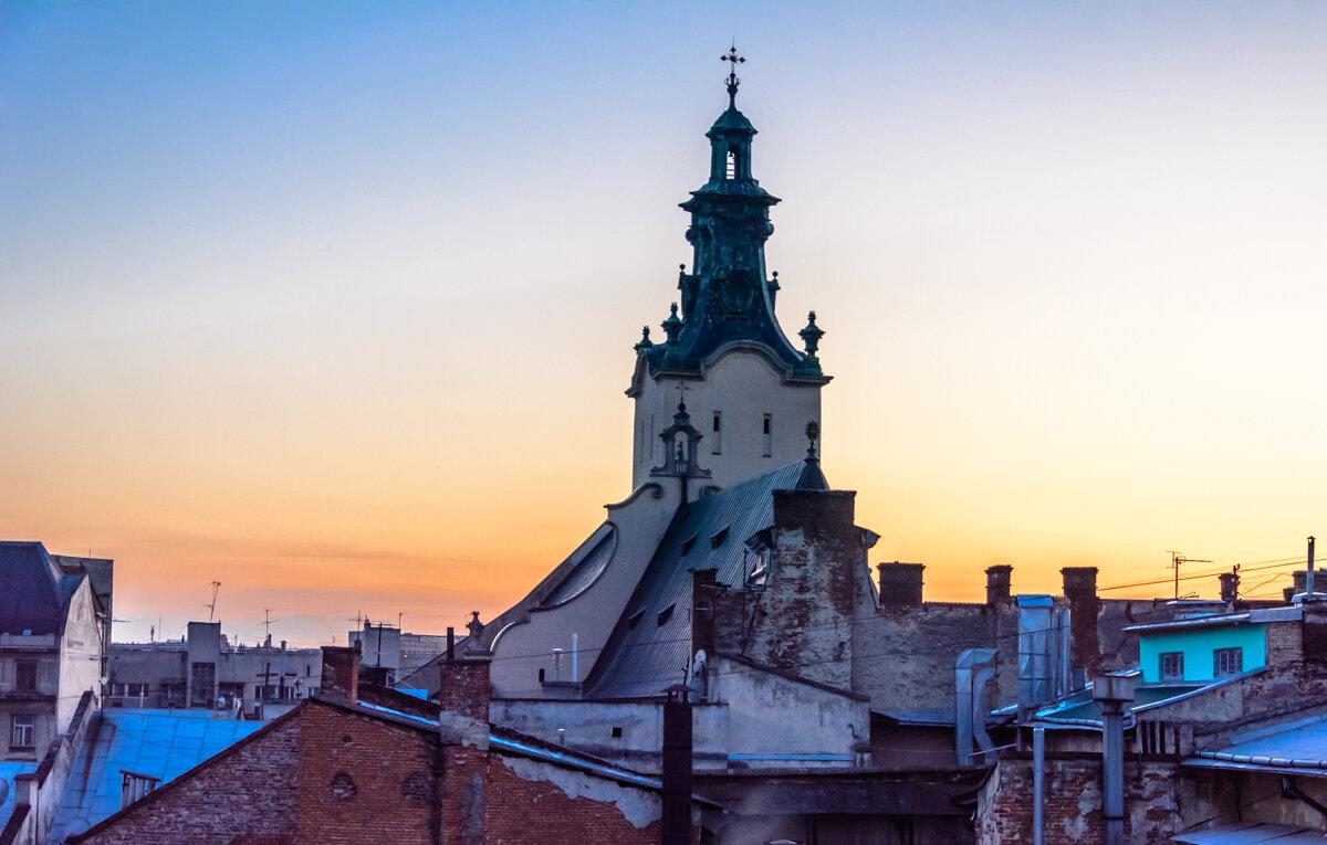 Львовские крышы и закат