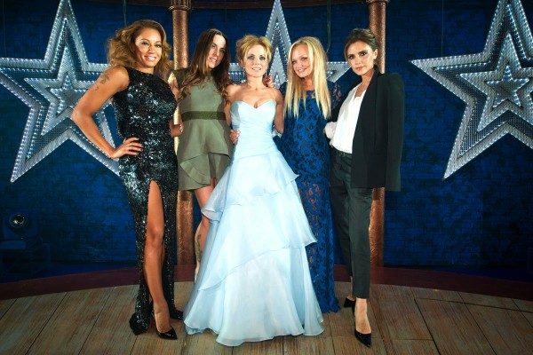 Spice Girls и Ева Лонгория поздравили Бекхэма с днем рождения