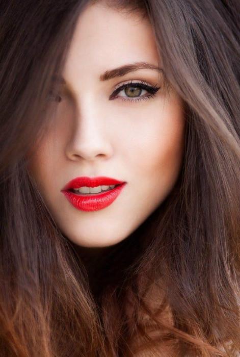 Цвет помады на первом свидании многое расскажет о характере девушки