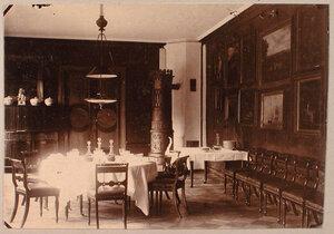 Вид части столовой в усадебном доме Николаи-Пален.
