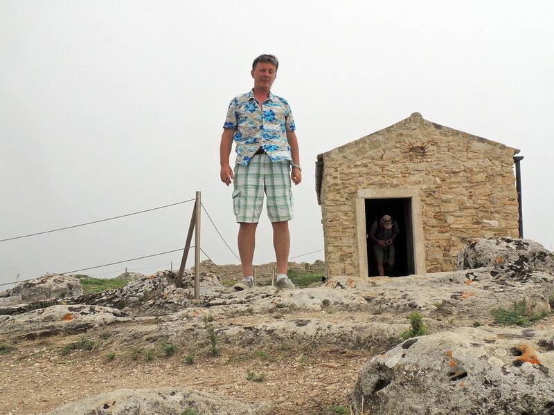 Angelocastro развалины крепости на горе над Палеокастрицей