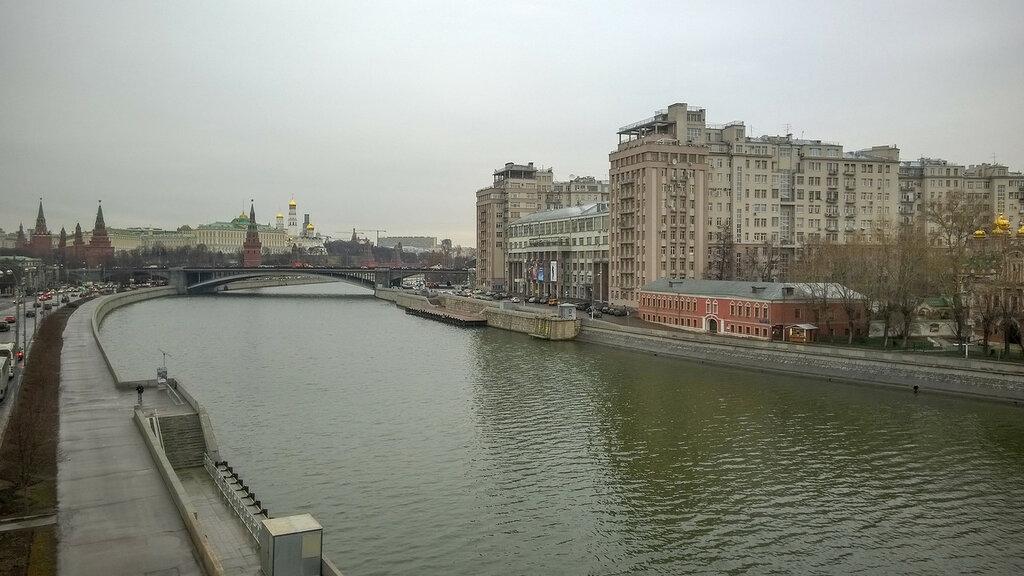 Кремль и Дом на Набережной, Москва