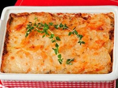 Картофельная запеканка с помидорами