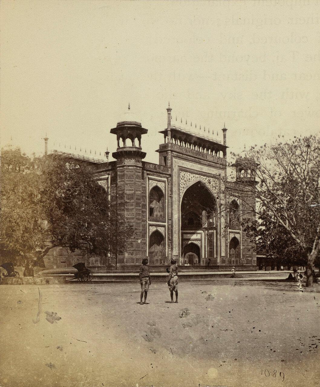 55. Ворота в Тадж-Махал