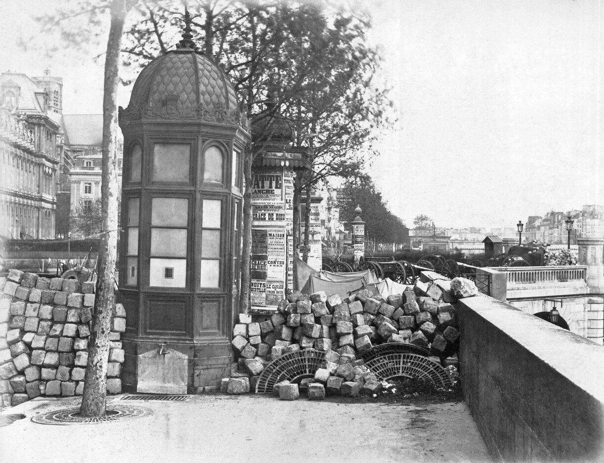 33. Баррикады на набережной Пельтье и Пон-д'Арк