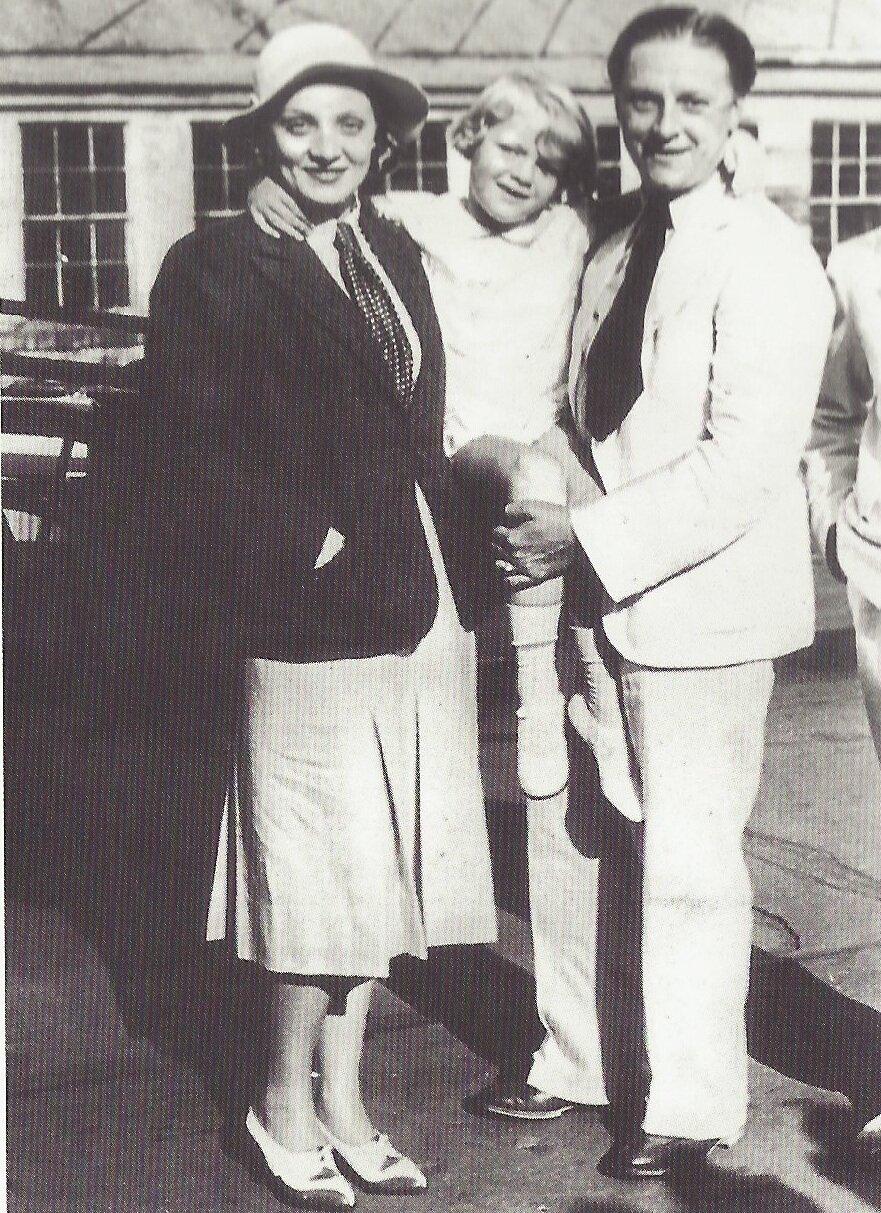 1931. Марлен Дитрих с  мужем Рудольфом Зибером и их дочерью Марией
