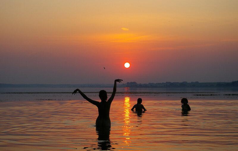 Танец уходящему солнцу