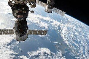 Экипаж МКС удачно приземлился в казахской степи