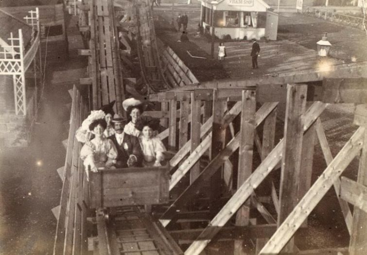 Американские горки викторианской эпохи, 1900 г.jpg