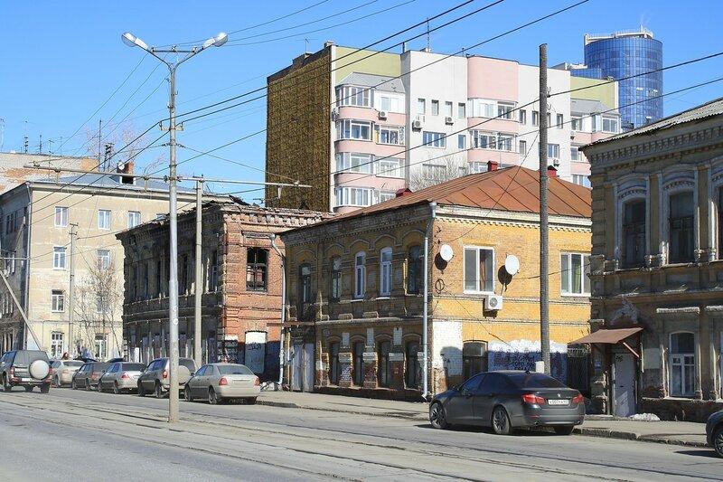 С недостроя старый город и монумент 510.JPG