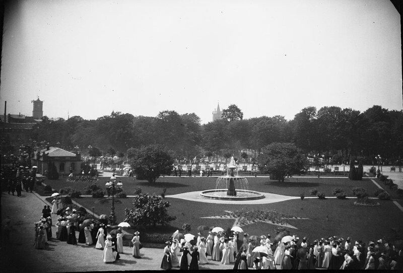 Парк с фонтаном в Карлсруэ, 1900