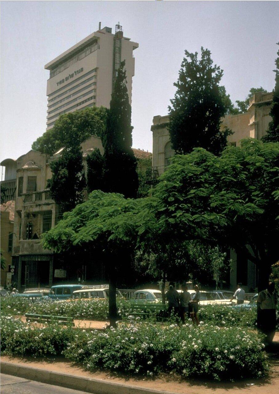26. Небоскреб Шалом Меир