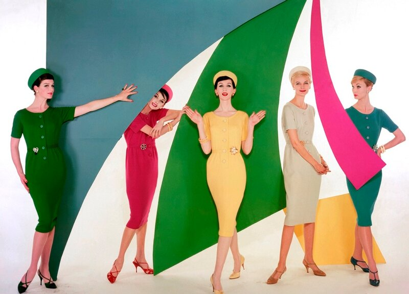 одежда в стиле 60-х годов.