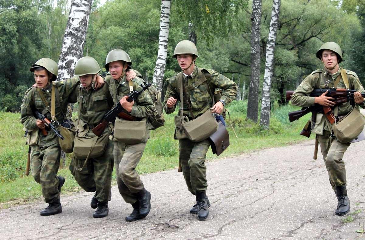 Фоторепортаж с марш-броска курсантов Военной академии воздушно-космической обороны (1)