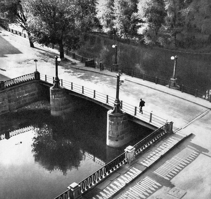 Матвеев мост через Крюков канал / Matveyev Bridge over Kriukov Canal