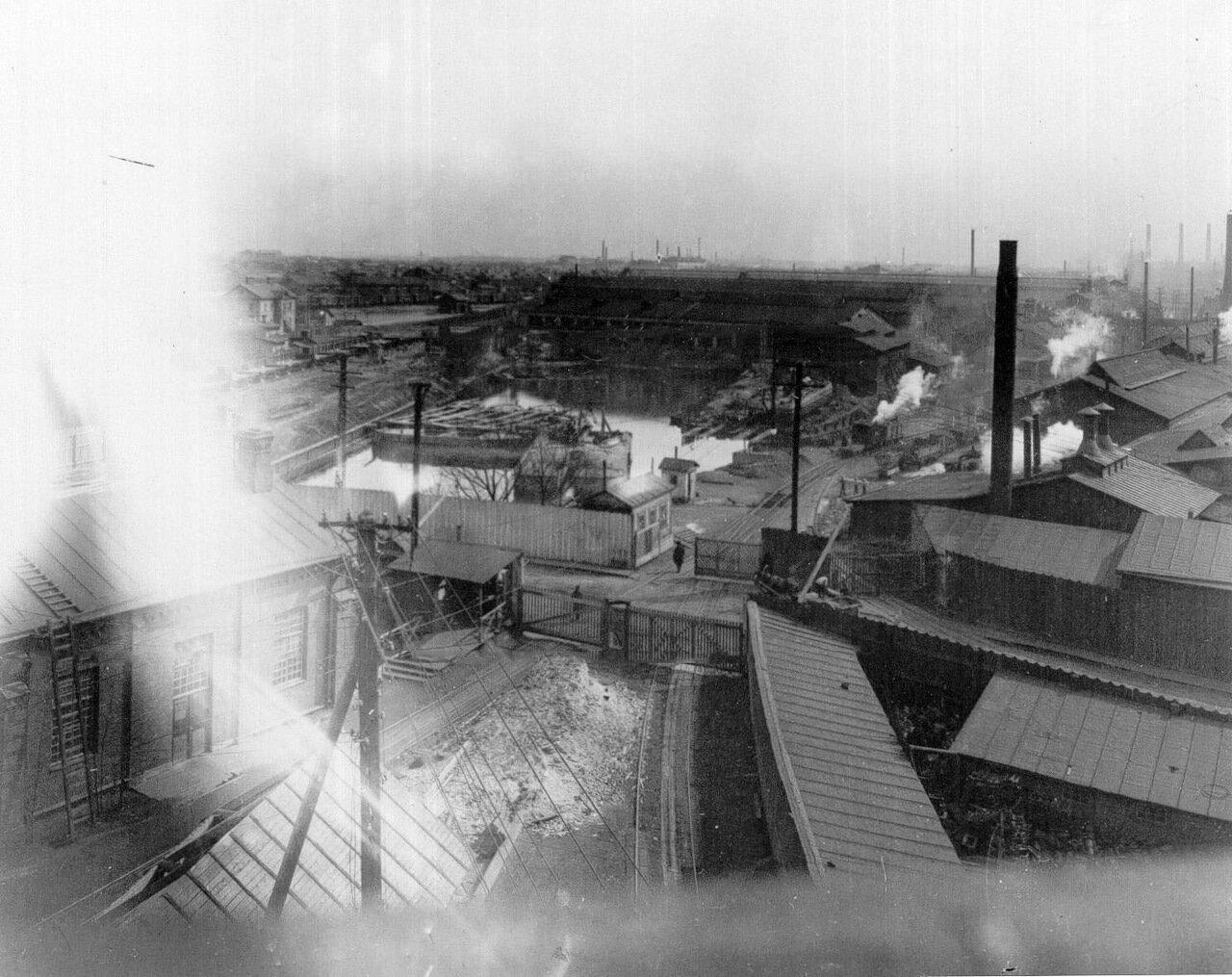 04. Вид на корпуса завода