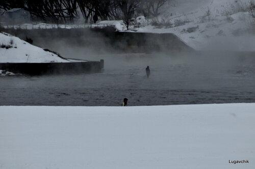 туман над рыбаком