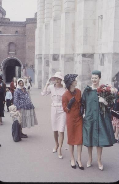 dc185f9ca664 Работницы модельного труда парижского дома Christian Dior в Кремле ...