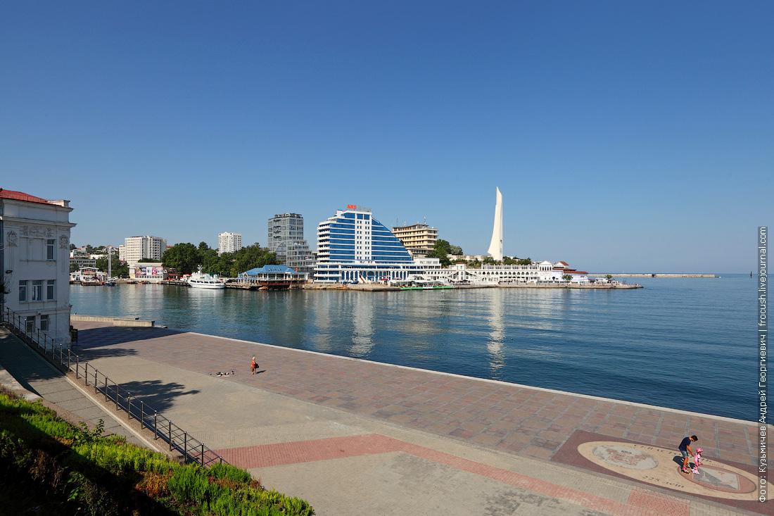Артиллерийская бухта и панно Севастополю – 225 лет