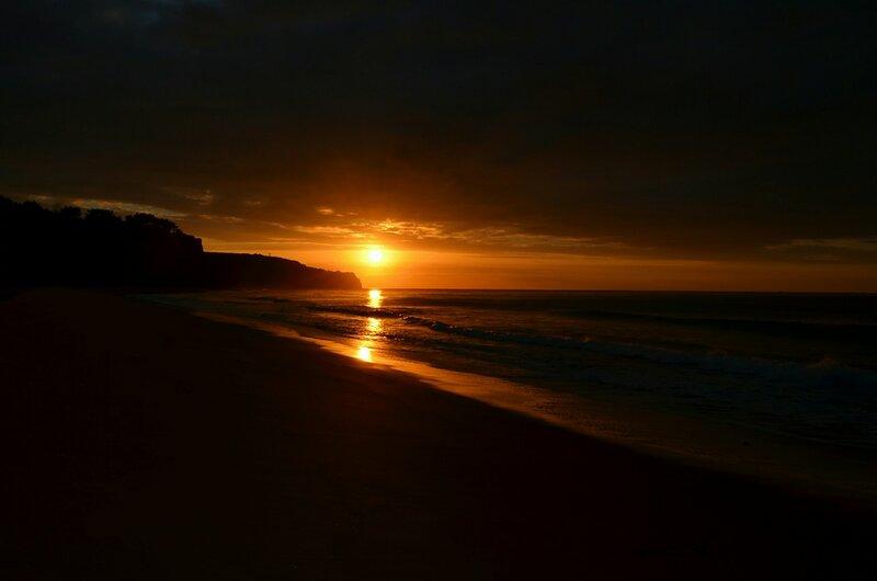рисуя солнце на рассвете