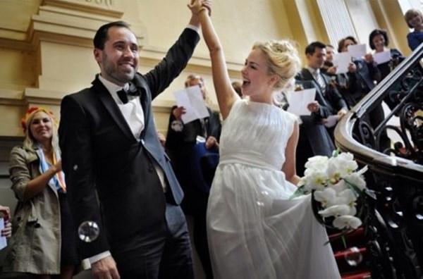 Лидер движения FEMEN Александра Шевченко вышла замуж