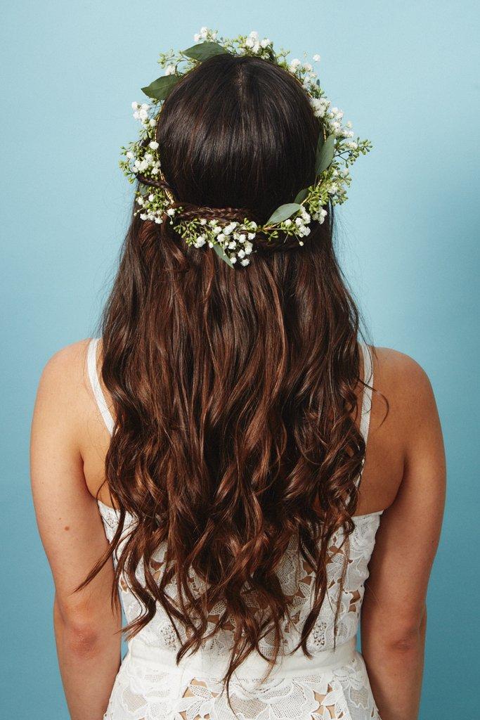 свадебные-прически-с-цветами4.jpg