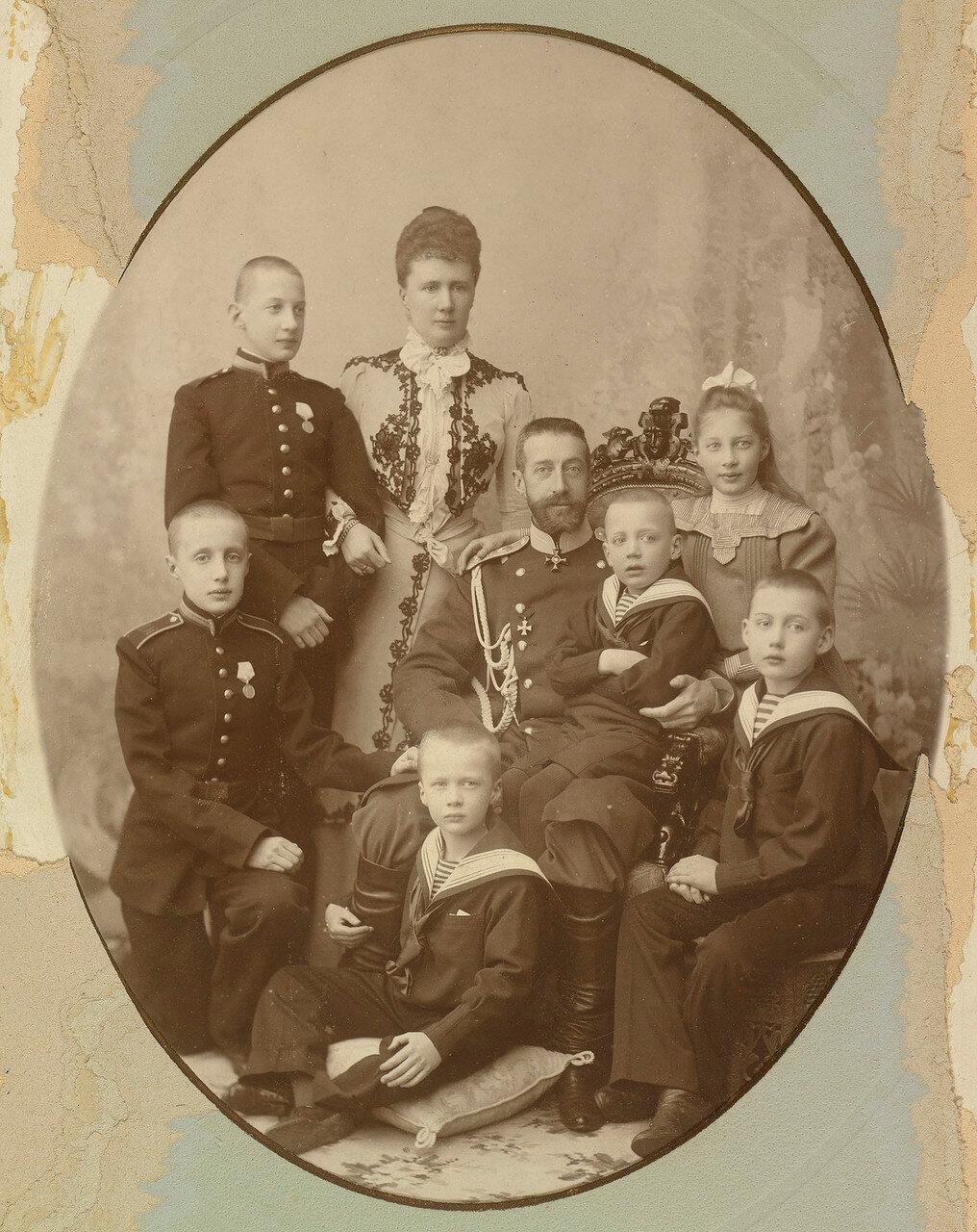 1901. Великий князь Константин Константинович с семьей