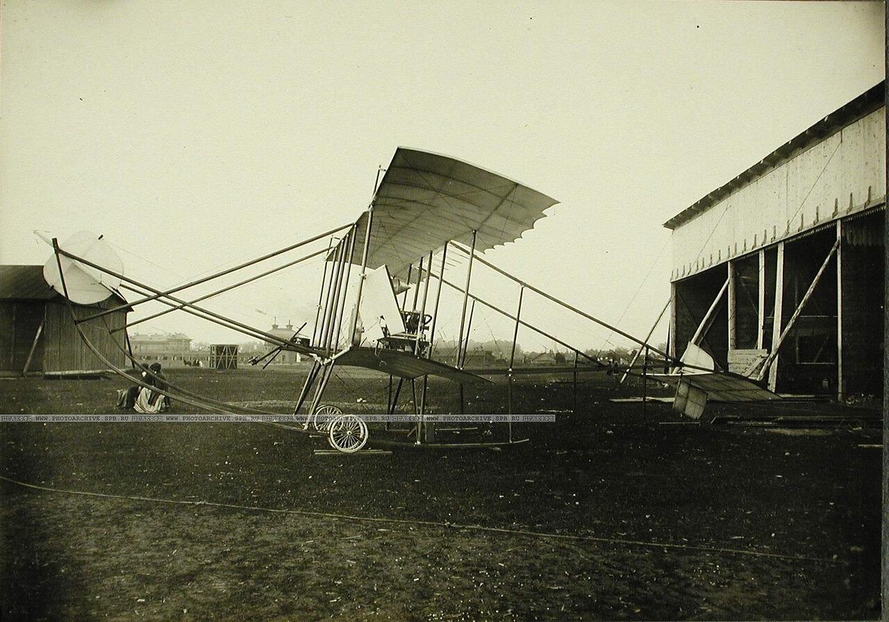 09. Общий вид биплана, построенного группой офицеров Гатчинской школы авиации