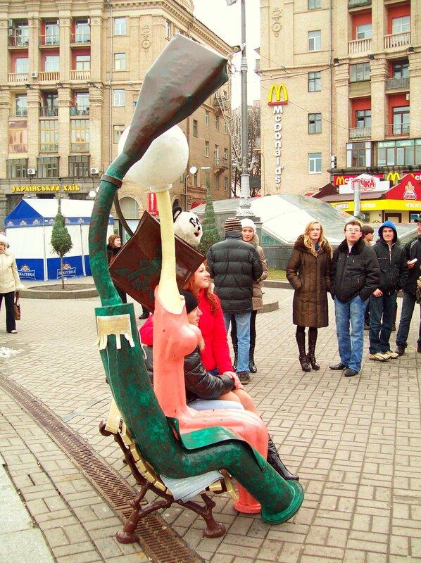 Необычный памятник на Майдане Незалежности