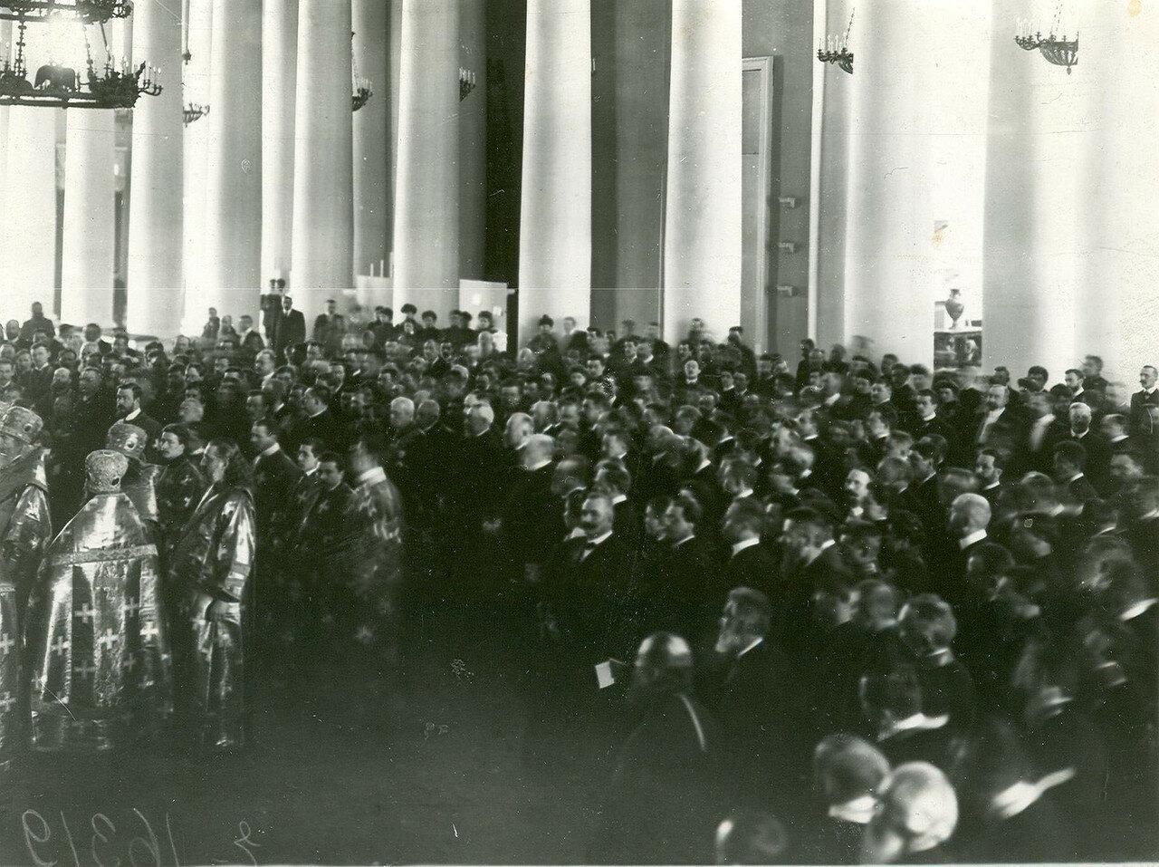 23. Молебен по случаю открытия Второй Государственной Думы в колонном зале Таврического дворца