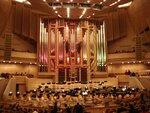 Московские крыши Монмартра В Светлановском зале Московского международного дома музыки прошло органное шоу «Париж» .