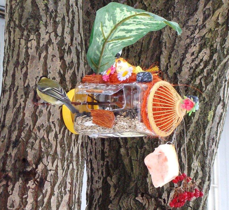 Кормушка для птиц своими руками в детский сад из подручных материалов 57
