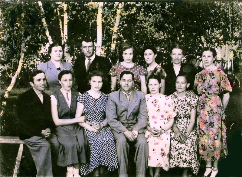 Учителя Равнецкой школы - 1959 год.jpg
