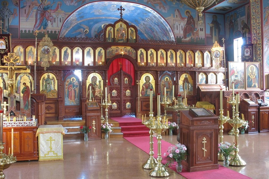 25 вещей, которые нельзя делать в православном храме