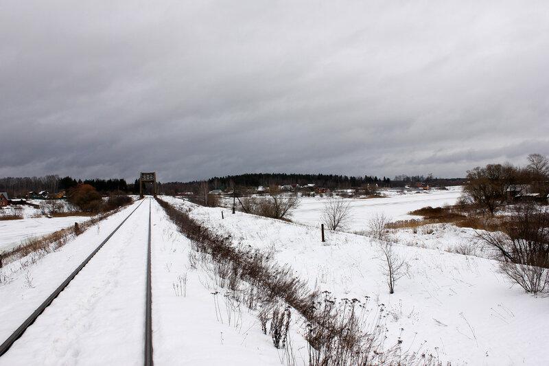 Перегон Белый городок - Калязин пост, участок Белый городок - 151 км, мост у входного сигнала Н