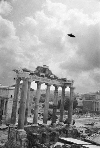 Недавно обнаруженные документы о контактах с НЛО жителей предвоенной Италии эпохи Муссолини, а также сведения о...