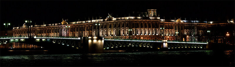 Панорама Зимнего дворца ночью