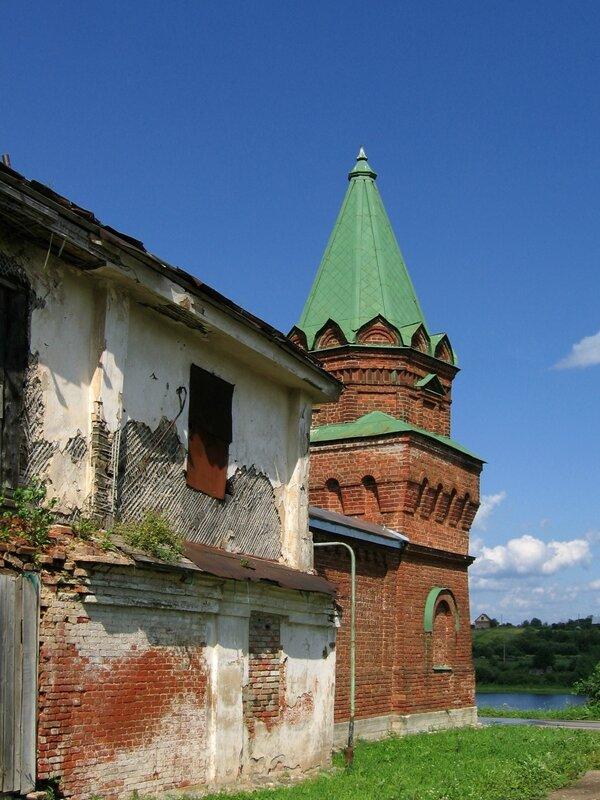 Келейный гостиничный комплекс и Юго-восточная башня, Никольский монастырь, Старая Ладога