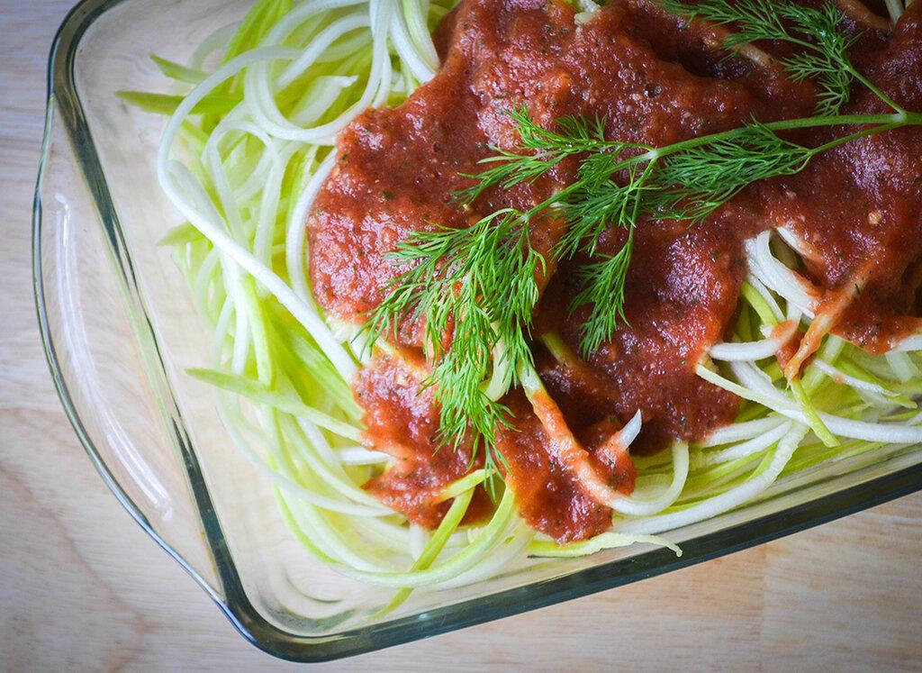 Веганская паста из кабачков: простой и легкий ужин