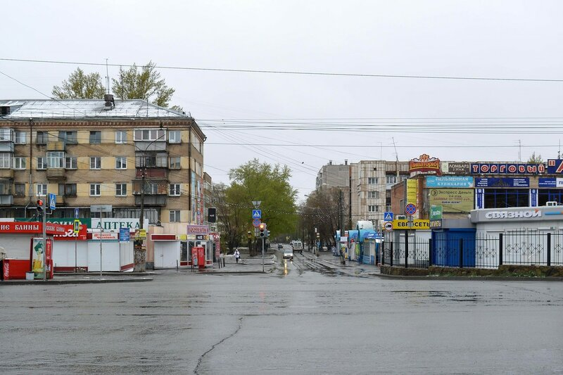 Улица Комаровкого