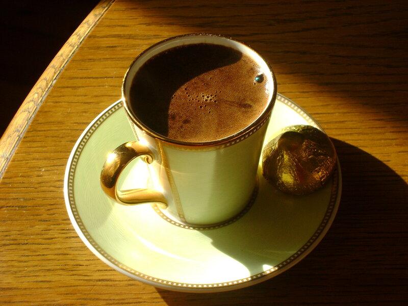 Кофе, сваренный в турке на песке.