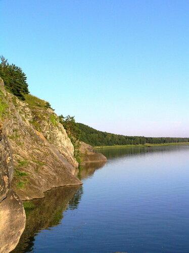 Скалистый берег р.Томь
