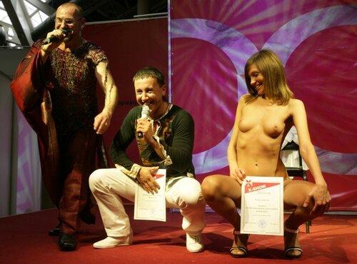 zhopi-zhenshin-bob-dzhek-i-yulya-porno-zhestkoy-pornuhi