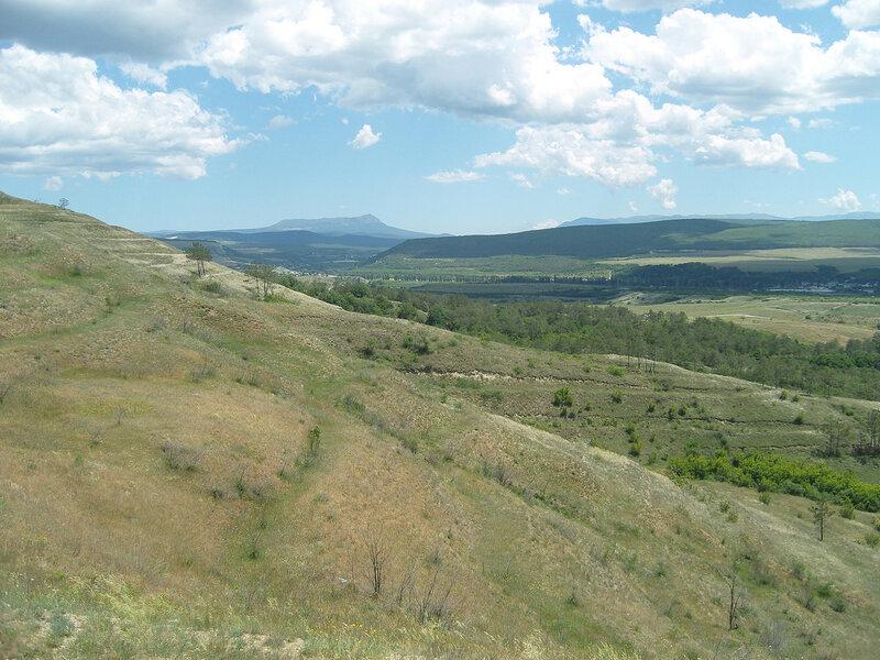 вид на Чатыр-Даг с холма Кизил-Джар