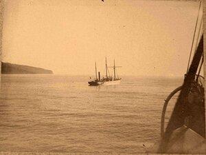 Яхта в открытом море.