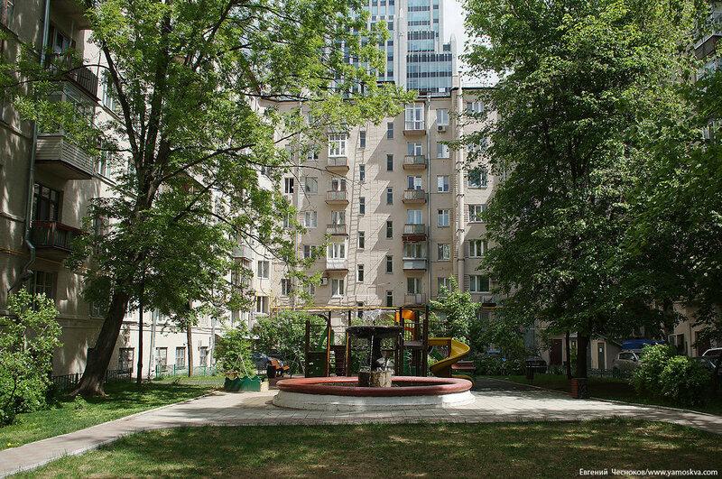 15. Долгоруковская улица. д5. 27.05.17.04.фонтан..jpg