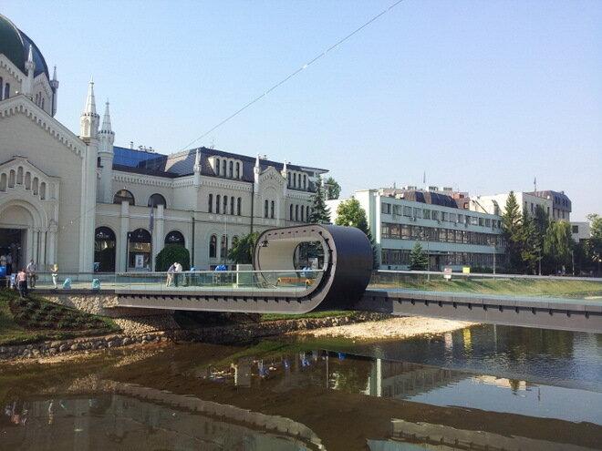 Мост Festina Lente. Босния и Герцеговина