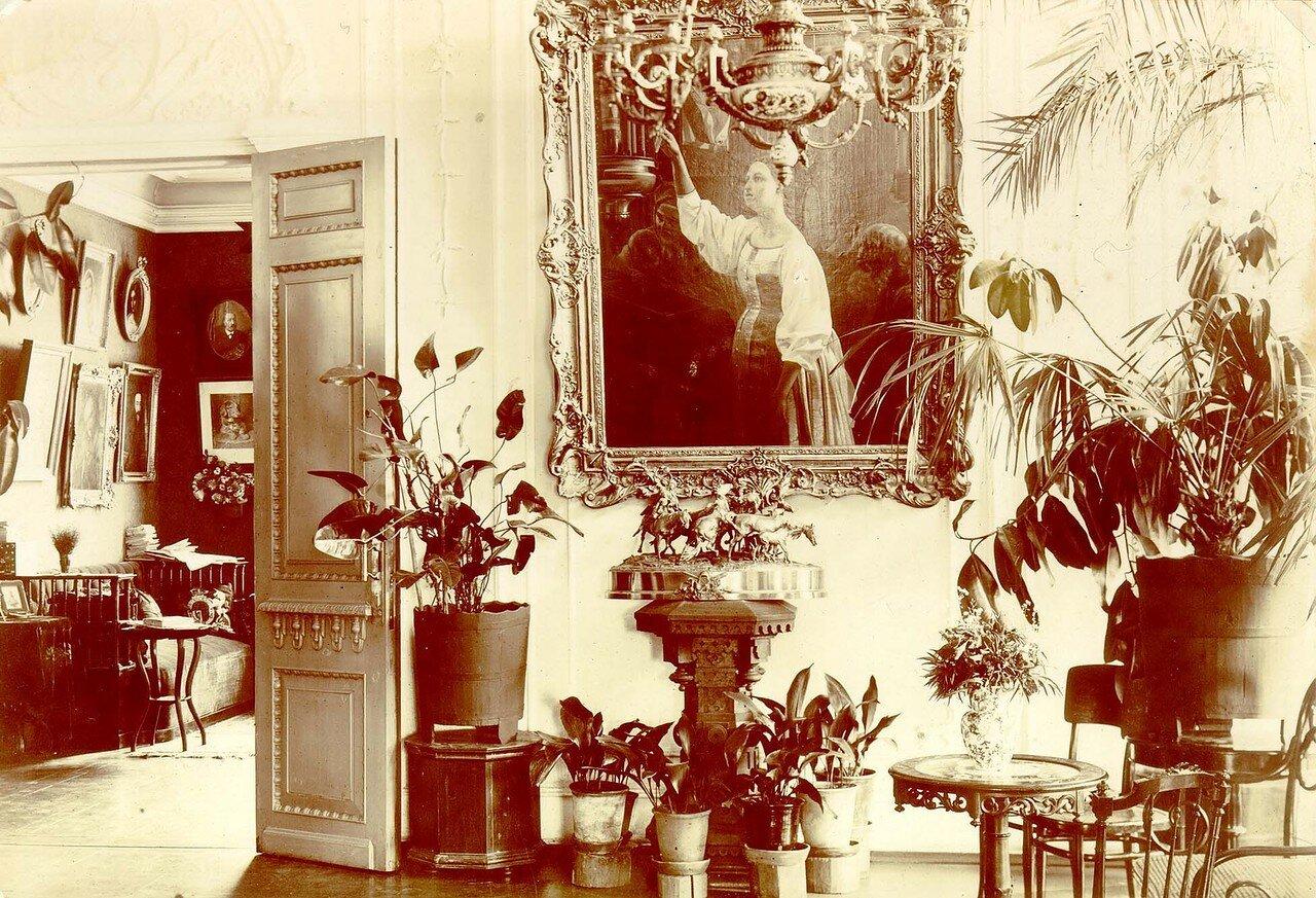 Внутренний вид жилых комнат в доме Евдокии Петровны Кузнецовой, конец 90-х г. ХIХ в.