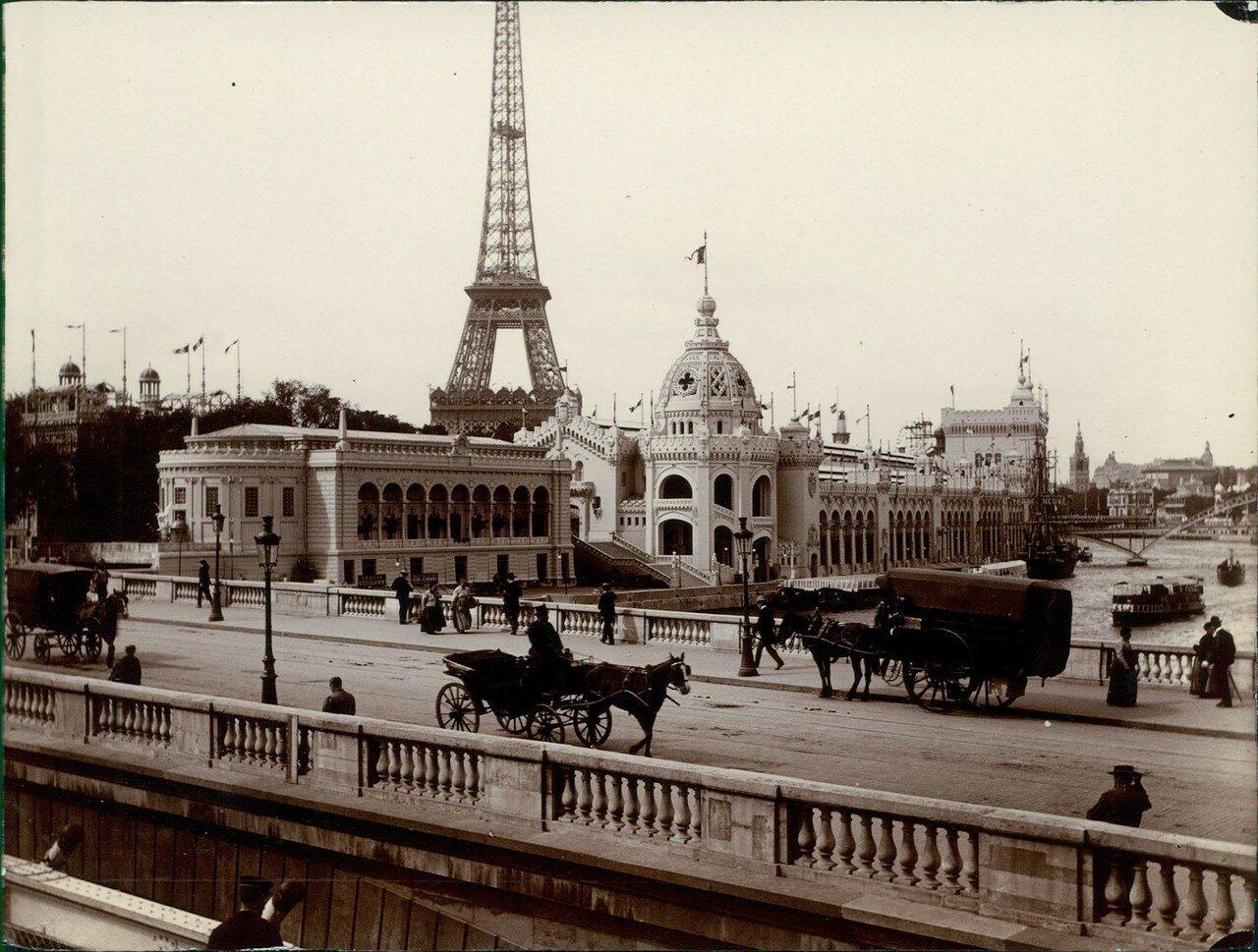 Вид с Моста Альмы на Всемирную Выставку