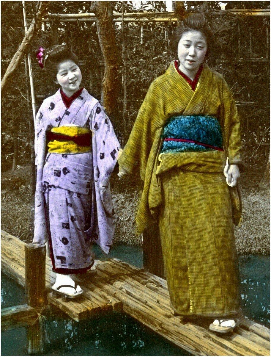 Две сестры на мосту
